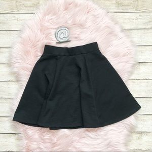 H&M | Black Circle Skater Skirt XS